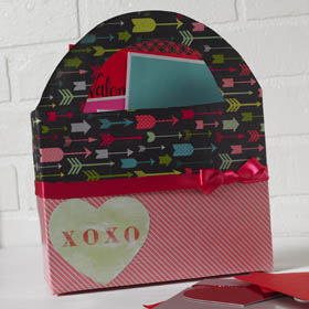 Fun Valentine Box Idea - XOXO Tote
