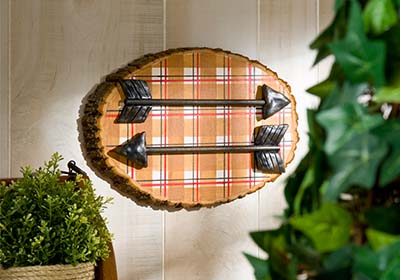 Plaid Arrow Plaque