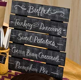 Thanksgiving Tablescape Pallet Menu