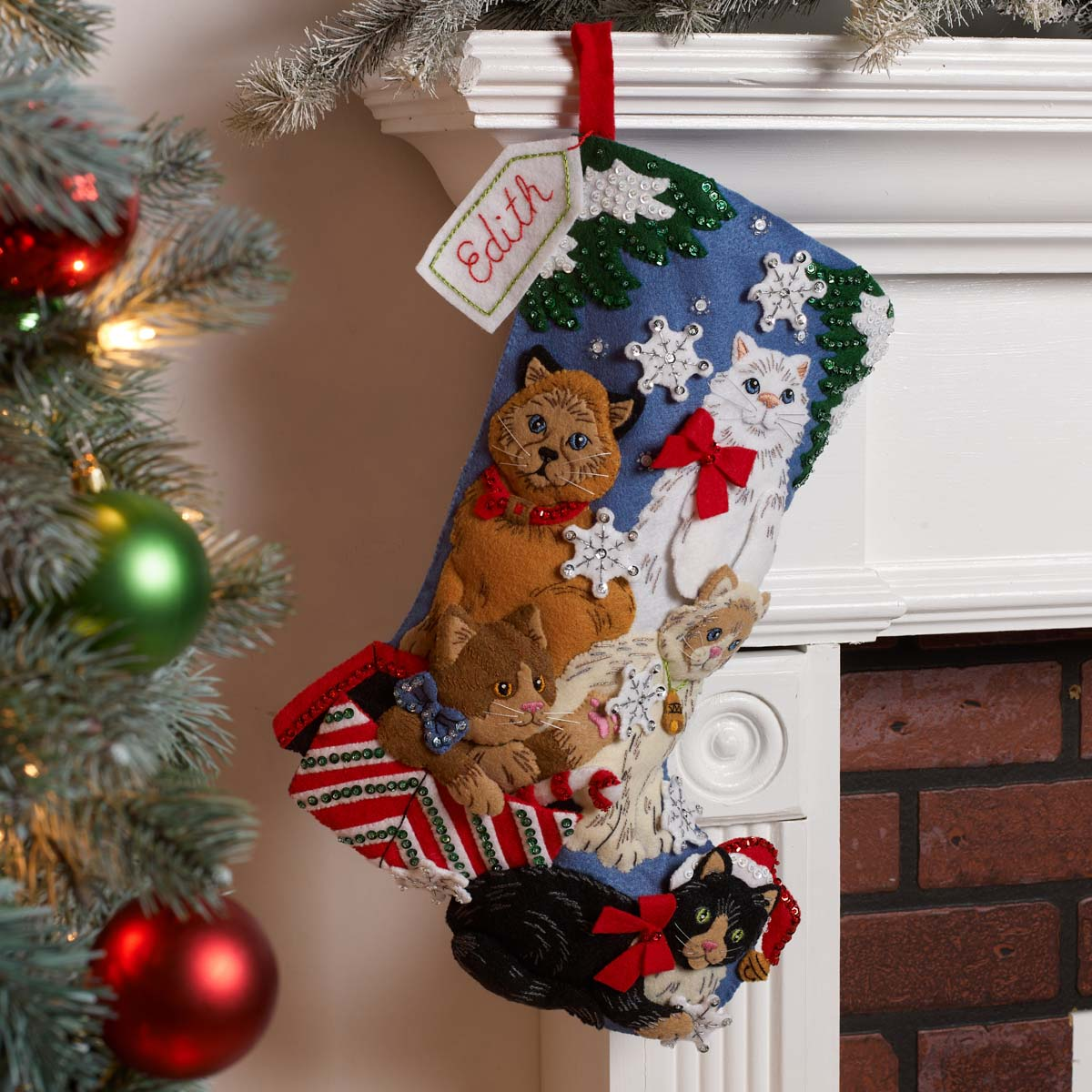 Bucilla ® Seasonal - Felt - Stocking Kits - Christmas Kitties - 89241E