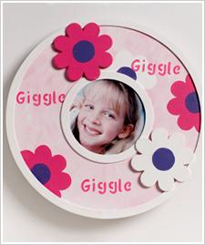Giggles Round Frame