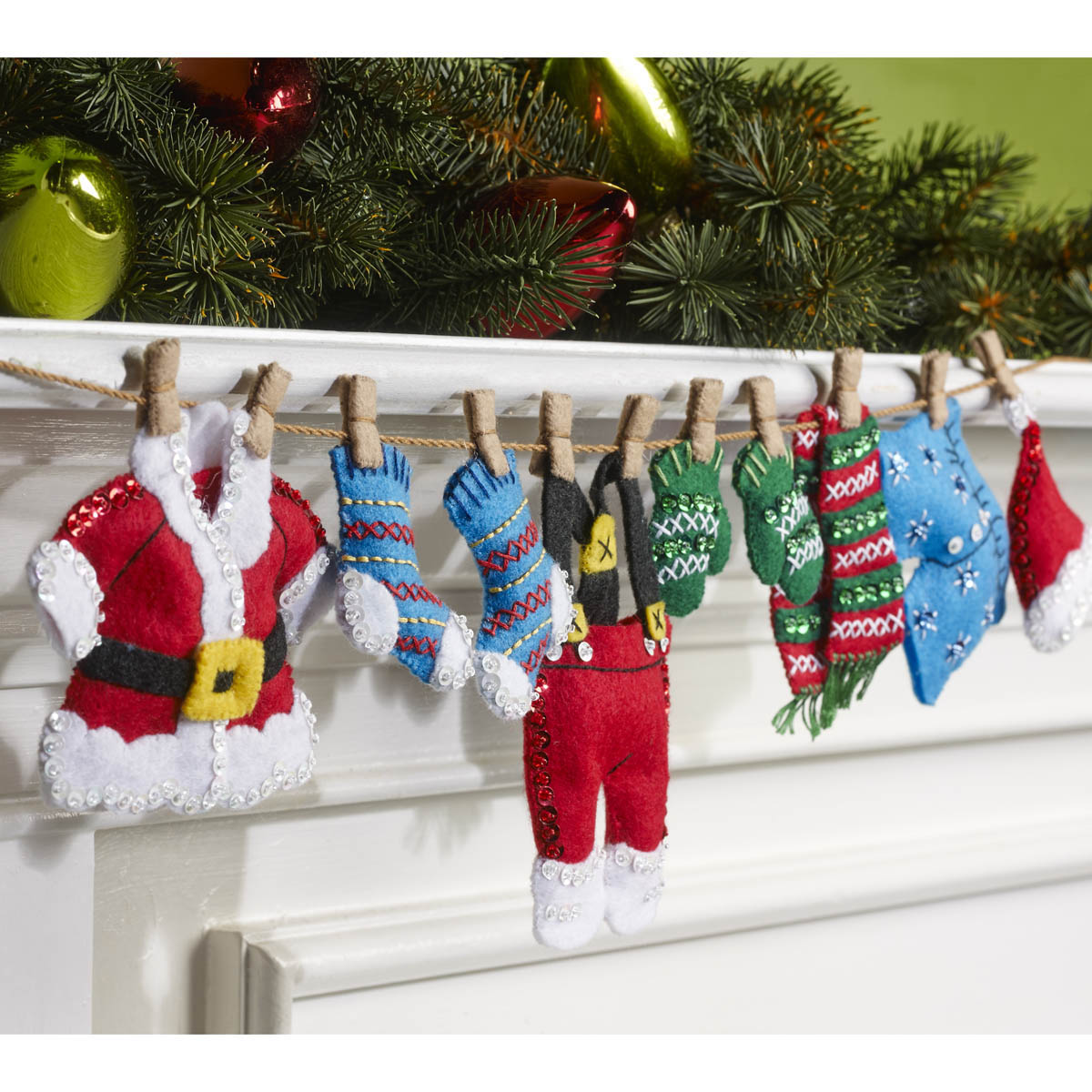 Bucilla ® Seasonal - Felt - Home Decor - Santa's Laundry Garland