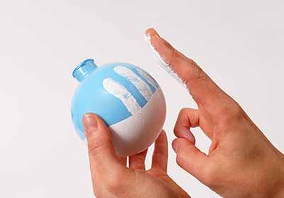 DIY Fingerprint Snowman Ornament