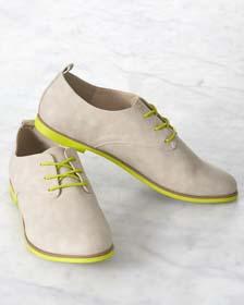 DIY Graduation Gift Idea - Collegiate Shoes