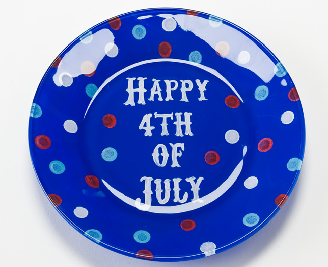 Patriotic-Glass-Plate-Plaid-Crafts-DIY-4th-of-July.jpg