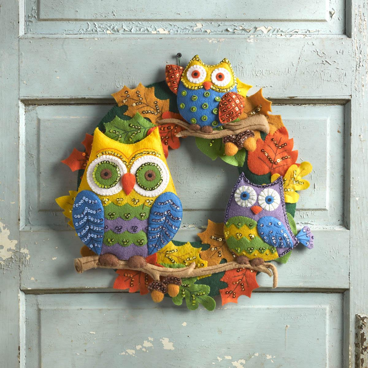 Shop Plaid Bucilla Seasonal Felt Home Decor Owl Wreath