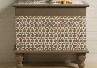 Pebble Patterned Blanket Chest