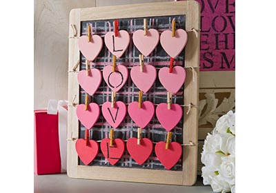 Hanging Hearts Valentine Plaque