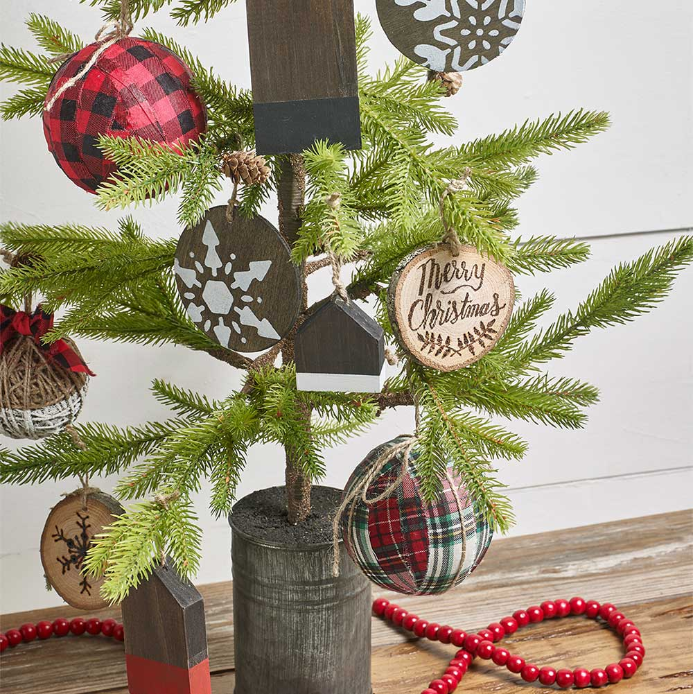 DIY Farmhouse Holiday Ornaments