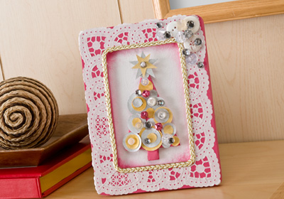 Vintage Celebration – Framed Circle and Button Tree
