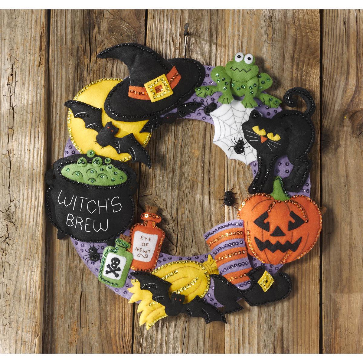Bucilla ® Seasonal - Felt - Home Decor - Witch's Brew Wreath