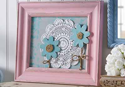 Simple Shabby Chalk Painted Canvas