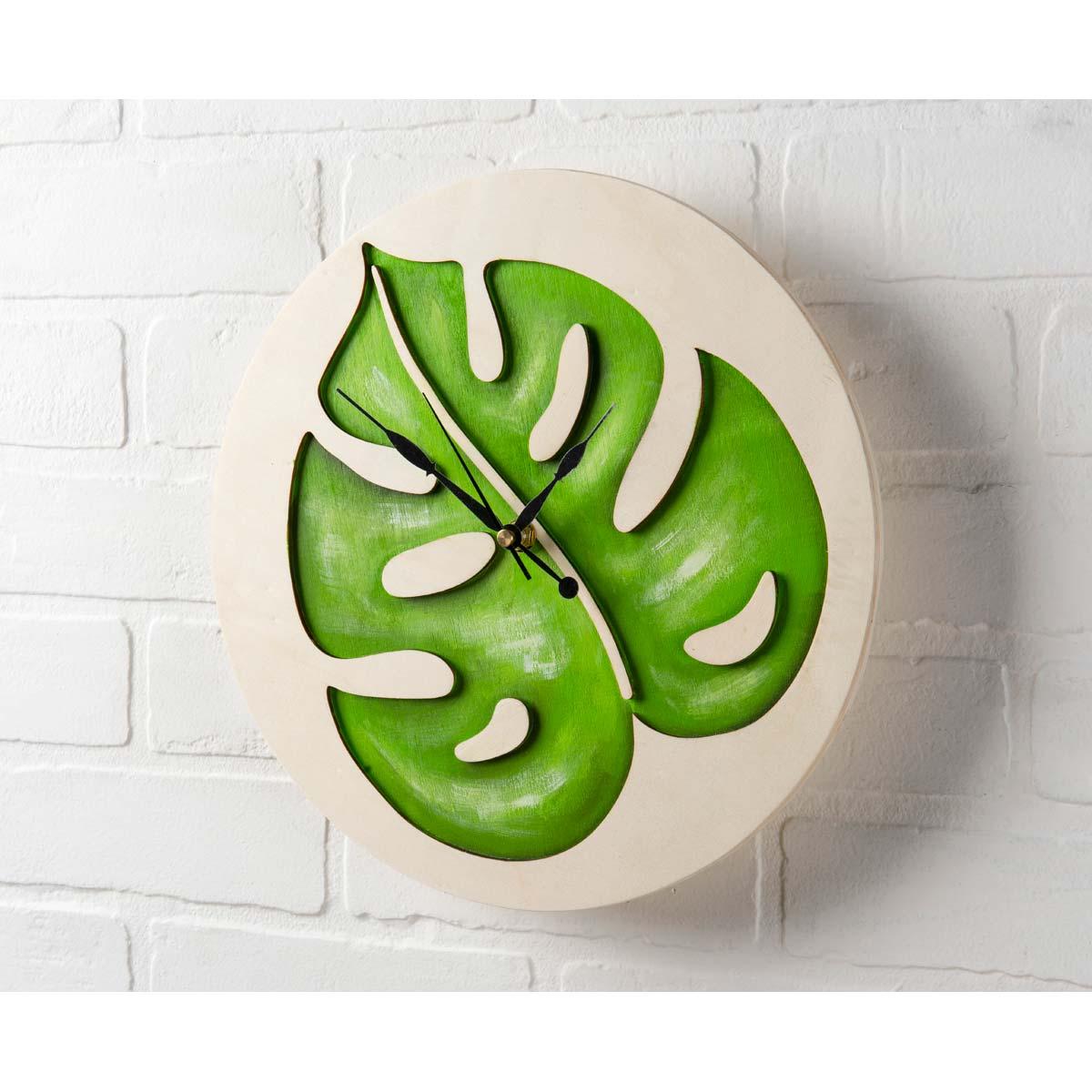 Mod Podge ® Resin Pouring Surface - Leaf Plaque - 56652E