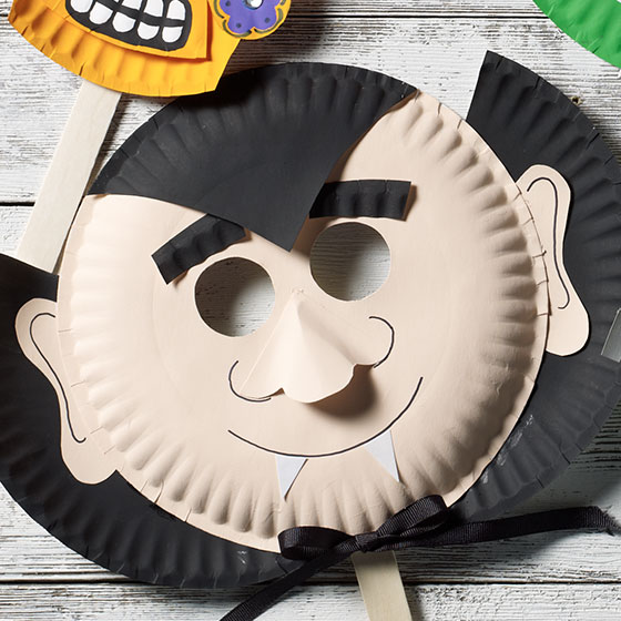 Dracula Paper Plate Mask for Halloween