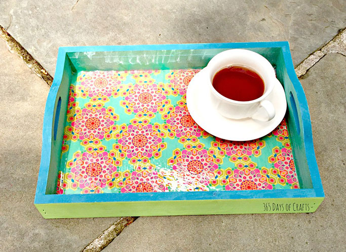 wrapping-paper-serving-tray-with-mod-podge.jpg