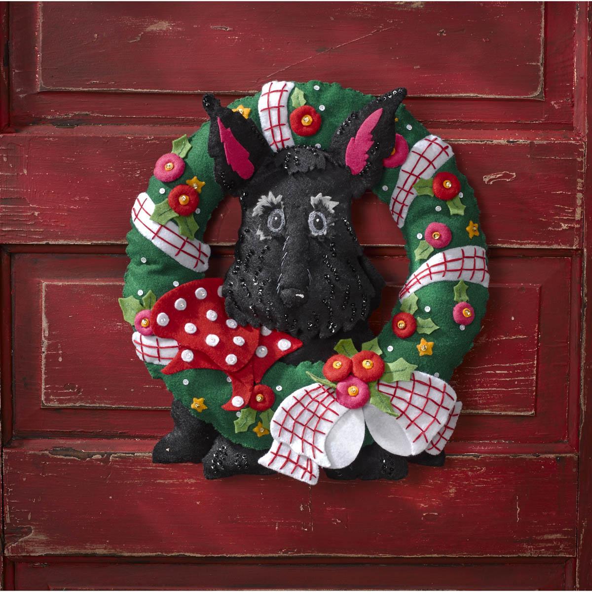 Bucilla ® Seasonal - Felt - Home Decor - Mary Engelbreit ® - Scottie Wreath - 86681