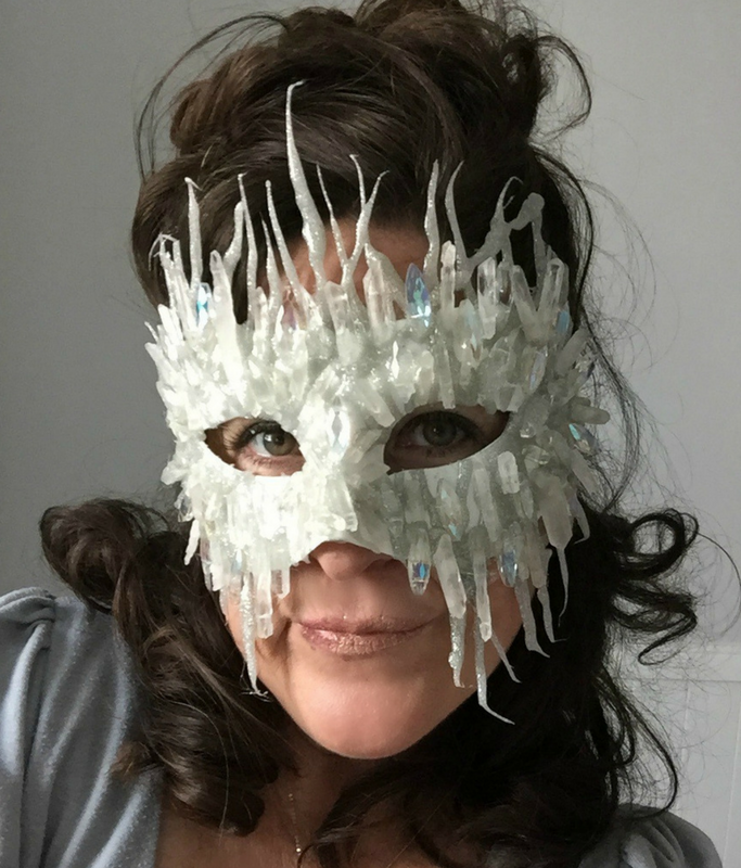 diy-ice-queen-mask.png