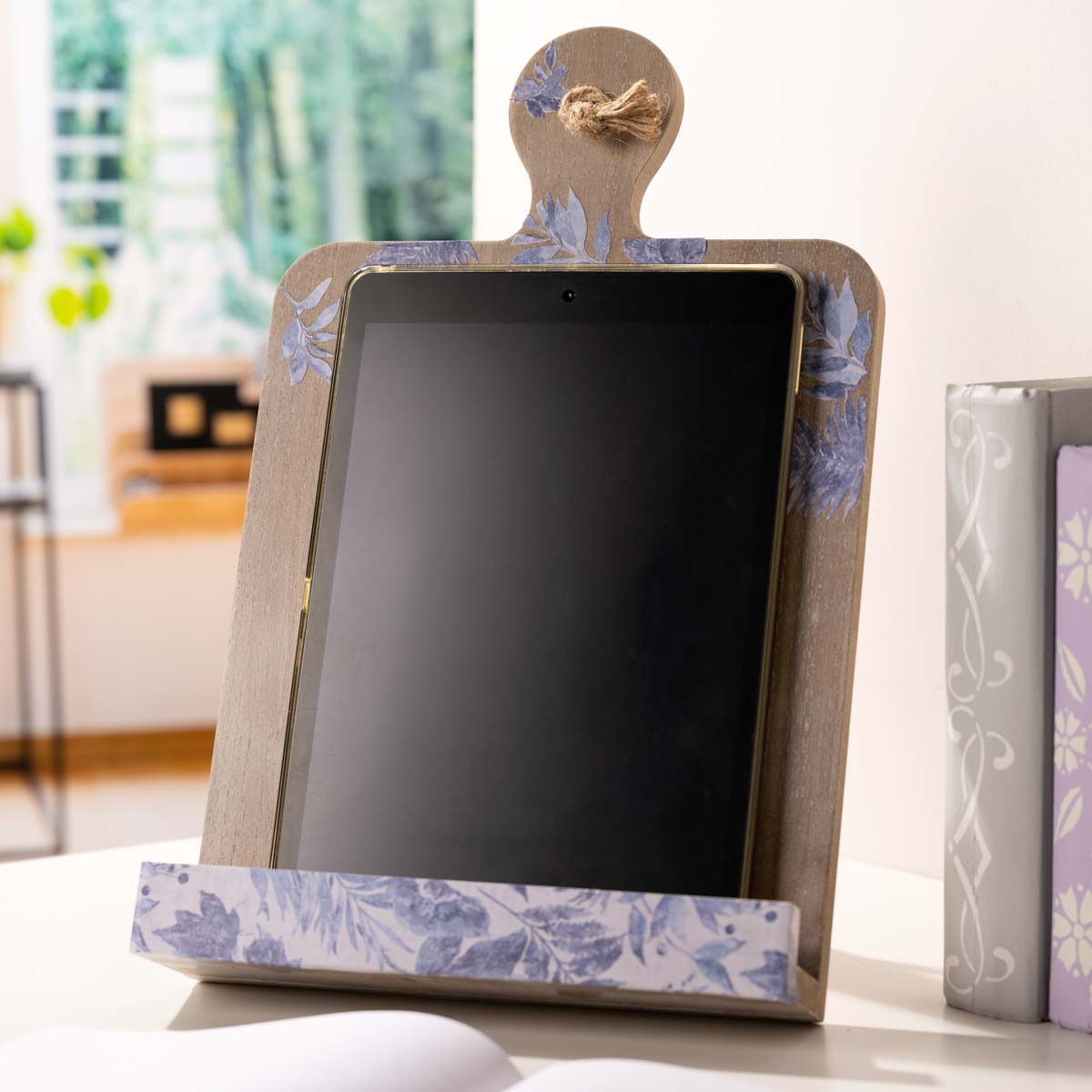 Plaid ® Wood Surfaces - Book/Tablet Stand Whitewash - 56716