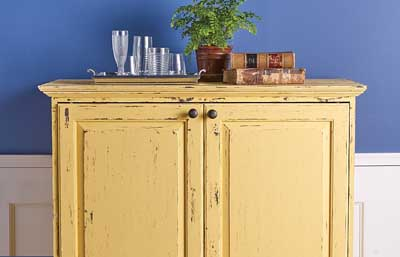 Distressed Yellow Hutch