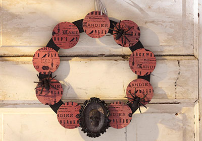 Mod Podge Sparkle Skull Circle Wreath