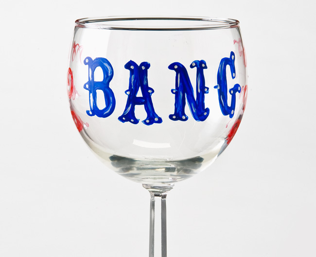 Bang-Wine-Glass-Plaid-Crafts-DIY-4th-of-July.jpg