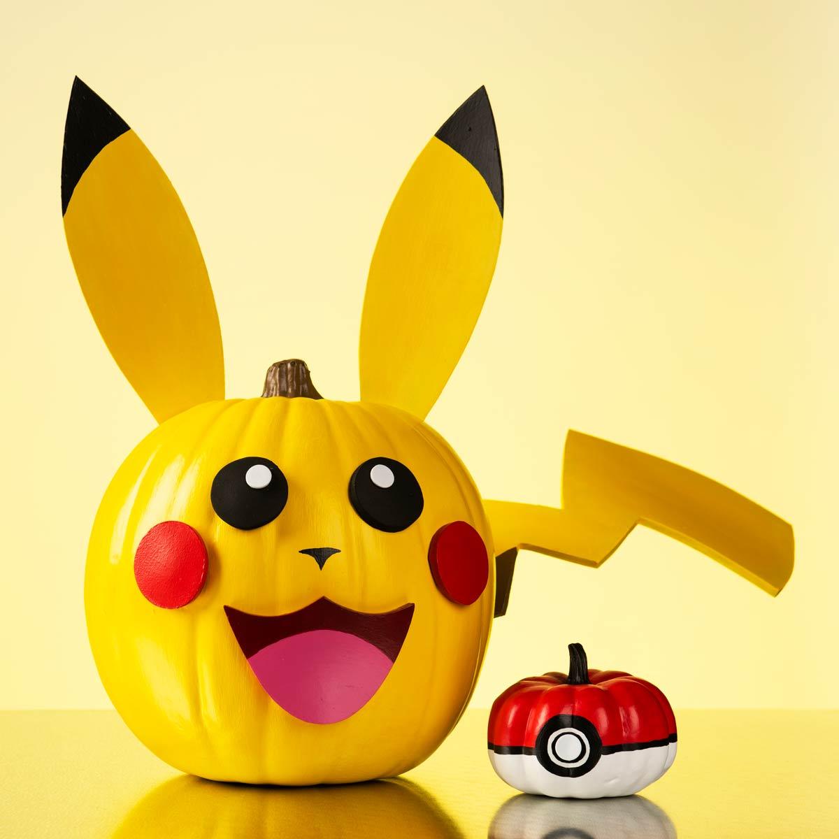 Pikachu and Poke Ball Pumpkin