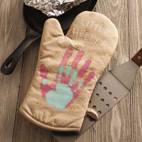 DIY Mother's Day Gift with Kids Handprint - Oven Mitts
