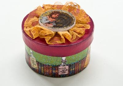 Romance Small Paper Mache Box