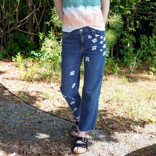 Fun Flowers Painted Jeans Idea