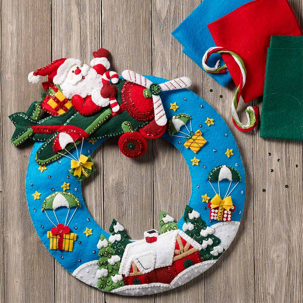 Bucilla ® Seasonal - Felt - Home Decor - Airplane Santa Wreath