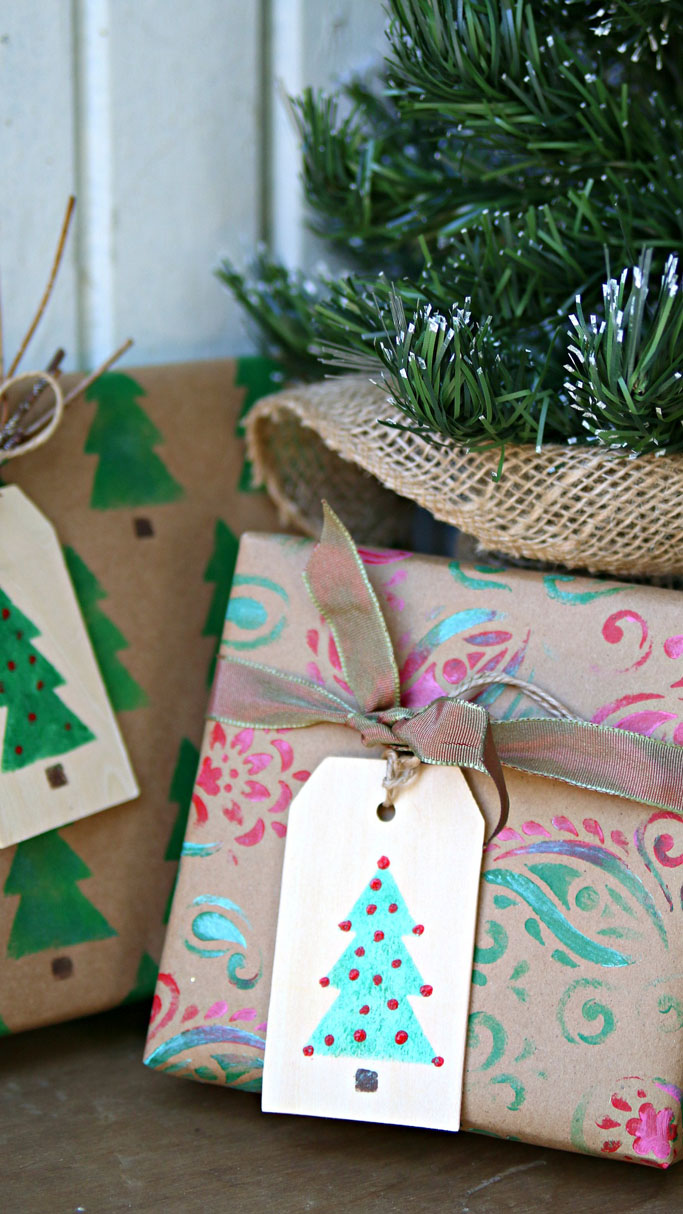 PetticoatJunktion-DIY-gift-wrap-vertical-2.jpg