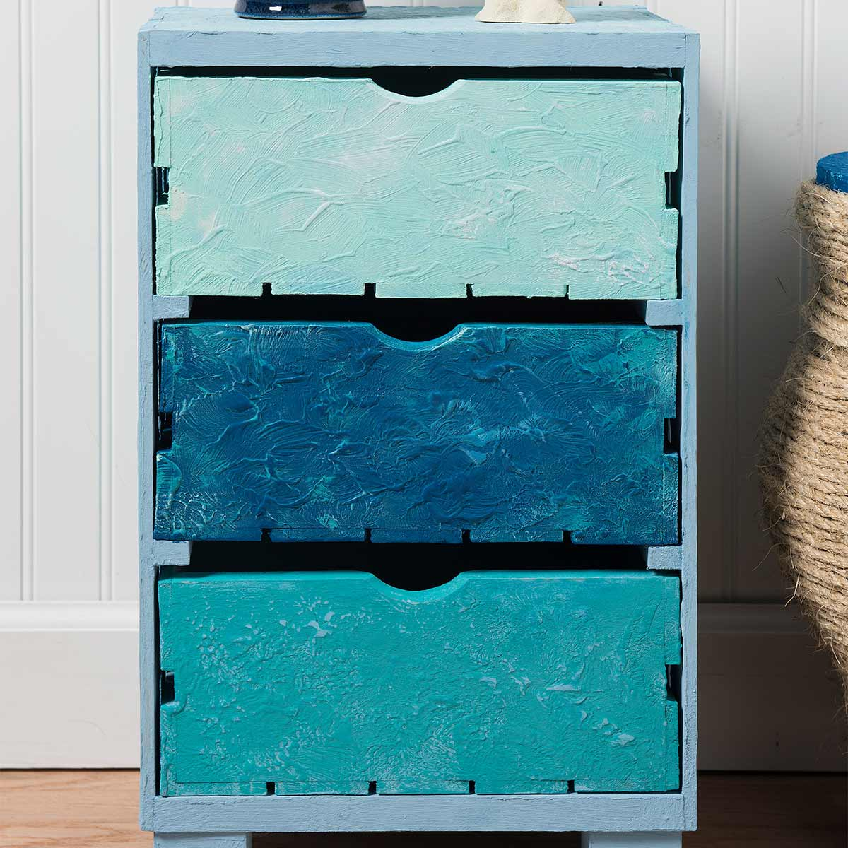 Crate Chest for DIY Coastal Decor