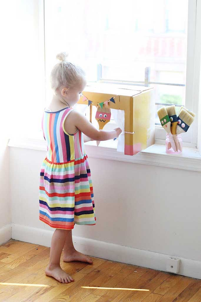 DIY Paintbrush Puppets and Theater