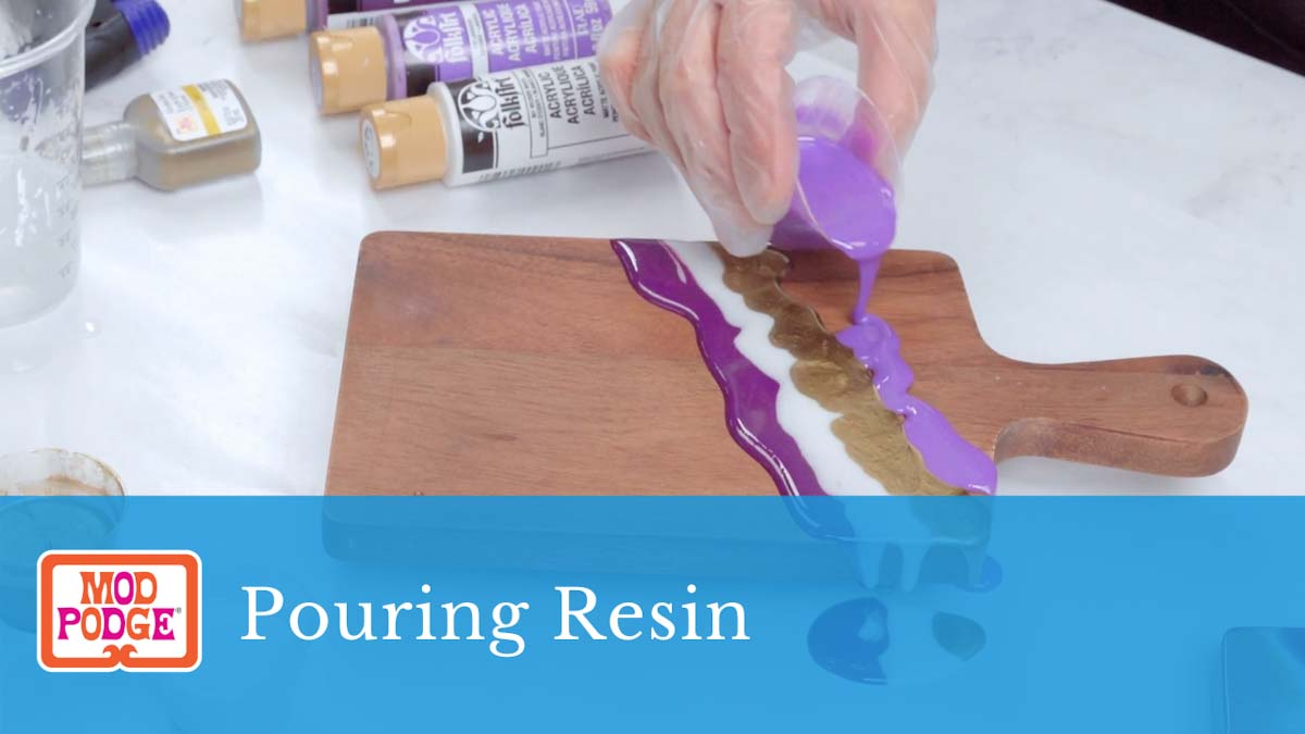 Paint Pouring with Mod Podge Resin