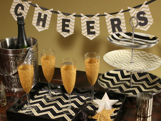 It's Party Time! New Year's Eve DIY Decor
