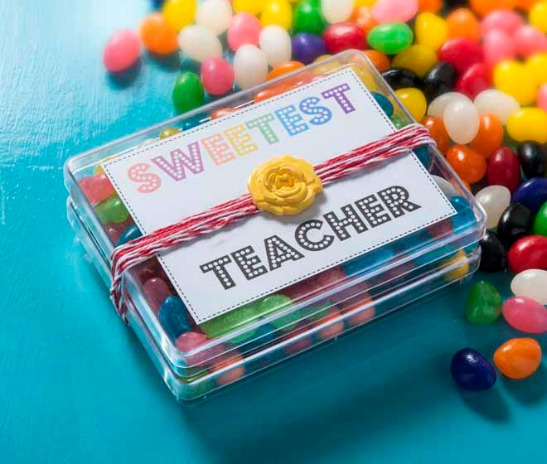 Teachers Deserve Their Own Sugar High Every Now And Then Dont You Think Make This Easy Sweetest Teacher DIY Appreciation Gift With A Free