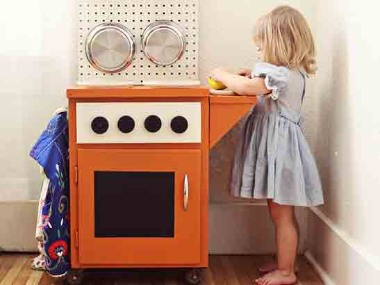 DIY Play Kitchens for the Kids