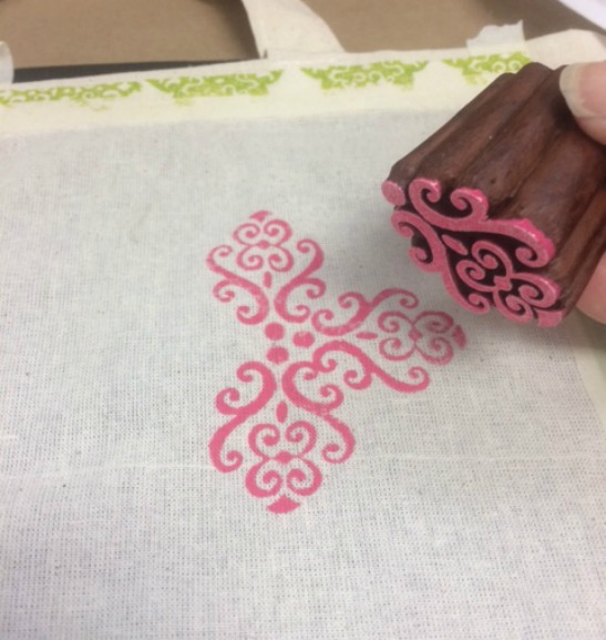 Learn How To Block Print Designs With Fabric Creations Plaid Online