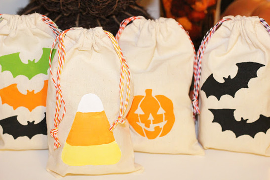 Spooky Simple DIY Halloween Bags