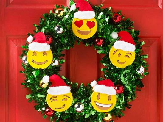 Emoji Holiday Wreath and DIY Christmas Tree | Plaid Online