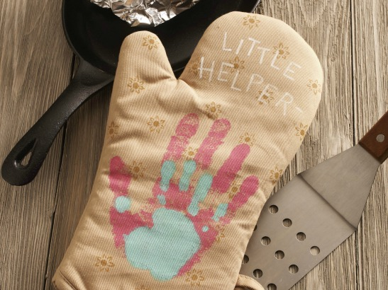 Make the Cutest Handprint Gifts for Mom!