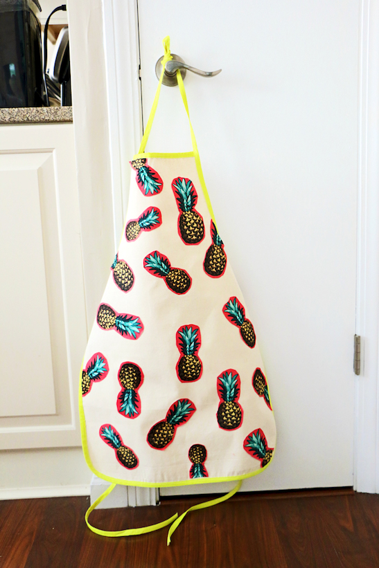 fun DIY pineapple apron
